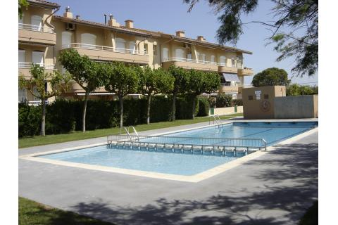 Apartament duplex amb vistes piscina y jardins